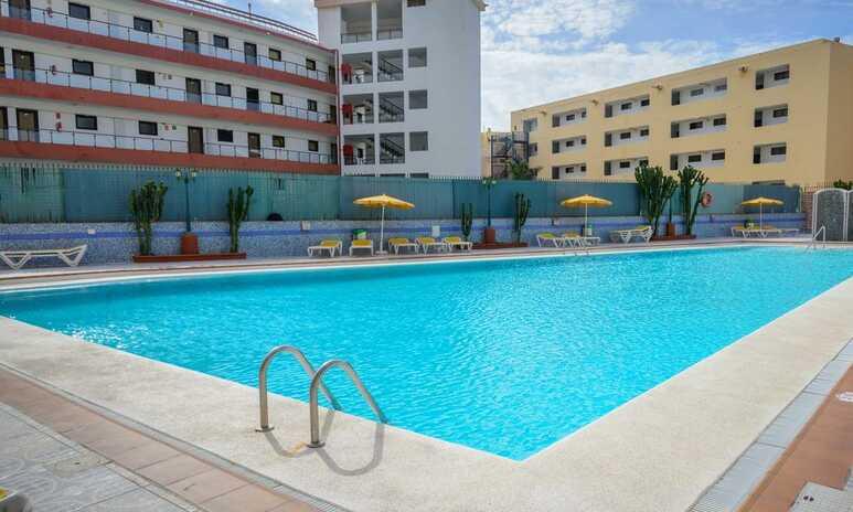 Las Arenas Apartments